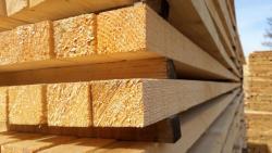 Akce na dřevěné hranoly, desky, latě, palubky atd